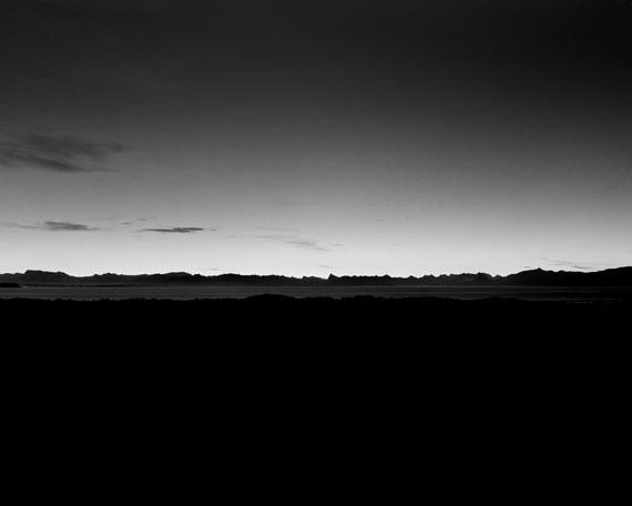 Guido BaselgiaLight Fall 76, 2014Westhimmel, 21. Februar 2013, 21:40-21:45 Uhr, S50°, ArgentinienSilbergelatine auf Baryt96 x 120 cm