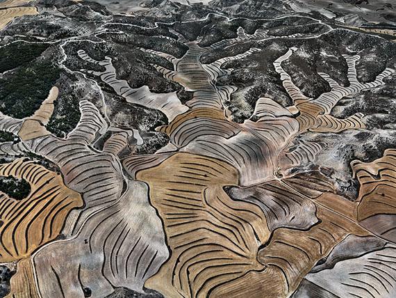Edward BurtynskyDryland Farming #5, Monegros County, Aragon, Spain 2010Edition: 6Image Size: 48 x 64 inches / 121,9 x 162,56 cmCourtesy Galerie Stefan Röpke, Köln, Galerie Springer Berlin