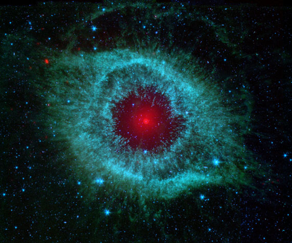 INFRARED IMAGE OF HELIX NEBULASpitzer space telescope, 2007 © NASA/JPL-Caltech/University of Arizona