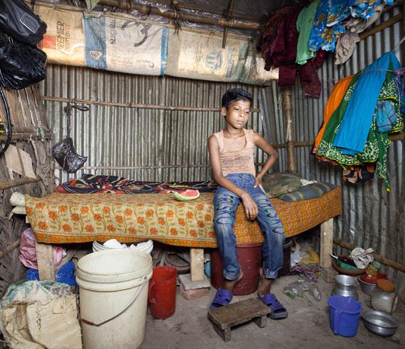 Sebastian Keitel: Ikramul 11, garbage collector, Dhaka 2012, Bangladesch