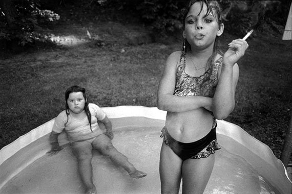© Mary Ellen Mark, Amanda and Her cousin Amy, Valdese, North Carolina, USA, 1990