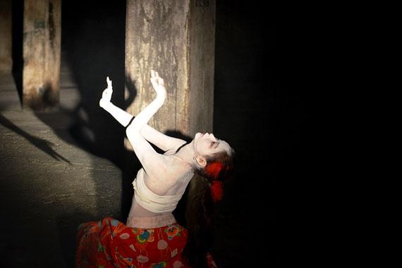 © Corinna Rosteck, Bardo – Arabesque, 2013, Chromira pearl auf Aludibond, 50 x 75 cm