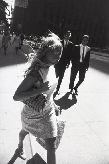 Garry WinograndNew York, 1965 © Garry Winogrand, courtesy of Lola Garrido Collection