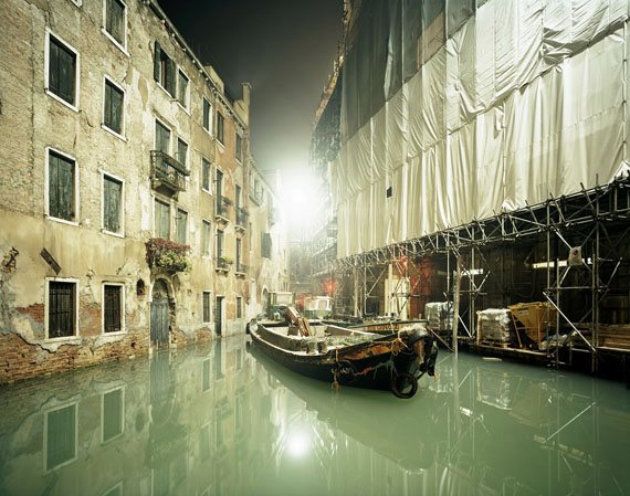 Tobias Madörin: La Fenice, Venice, Italy, 2003, 130 x 109 cm (51 x 43 in.), C-Print, Edition 3 & 1 AP