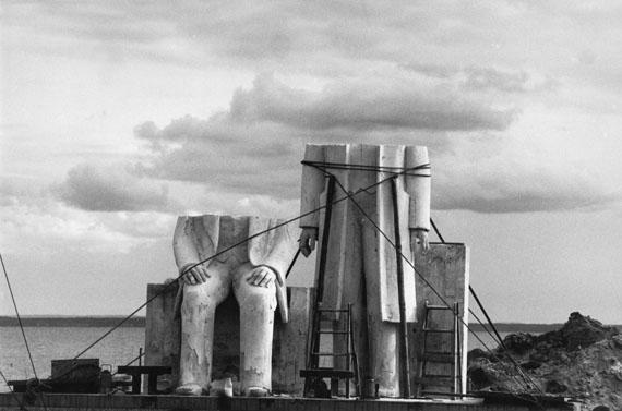 """Sibylle Bergemann: aus der Serie """"Das Denkmal"""" (A Monument), 1975-1986"""