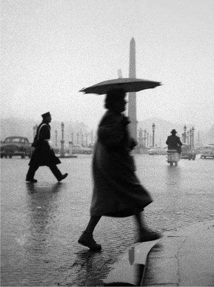 Sabine Weiss: Place de la Concorde, 1953