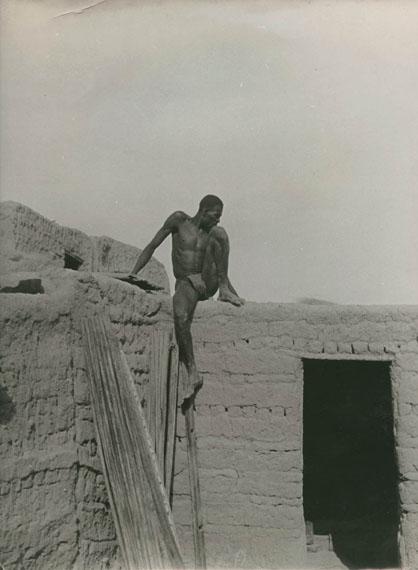 Lot N°79Pierre Verger (1902-1996)Soudan français, Maon Bobo, vers 1936Vintage Gelatin silver print. 29,5 x 23,9 cm