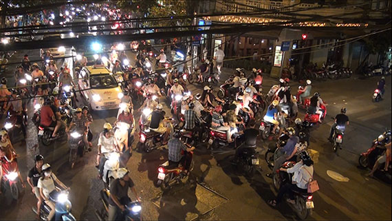 Andreas Müller-Pohle: Studies on Traffic #3, Hanoi, 2013 (video still)