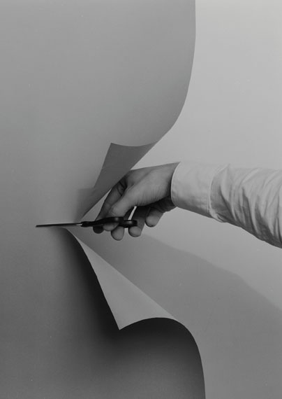 Philipp Dorl: Slit Backdrop (No two), 2013
