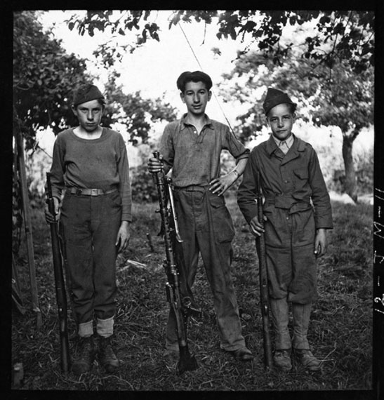 John G. Morris: Young orderlies at the First Army press camp, Vouilly, Normandy, August 6, 1944 