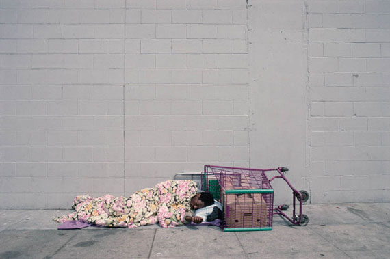 Camilo José Vergara: Towne Ave. between 5th St. and 6th St., Skid Row, L. A., 2003 © Camilo José Vergara