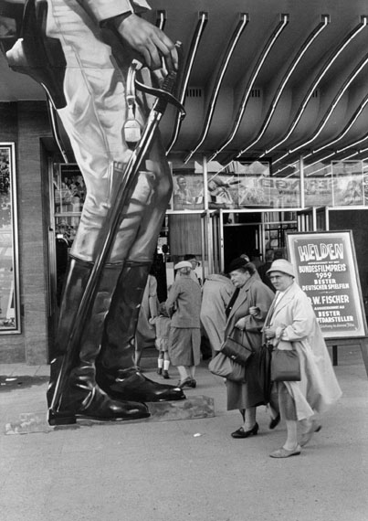 Kinowerbung, 1959 © Will McBride