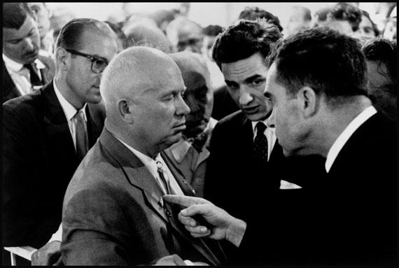 Elliott Erwitt . Kitchen Debate . Moskau, RusslandJuni 1959  © Elliott Erwitt / Magnum Photos
