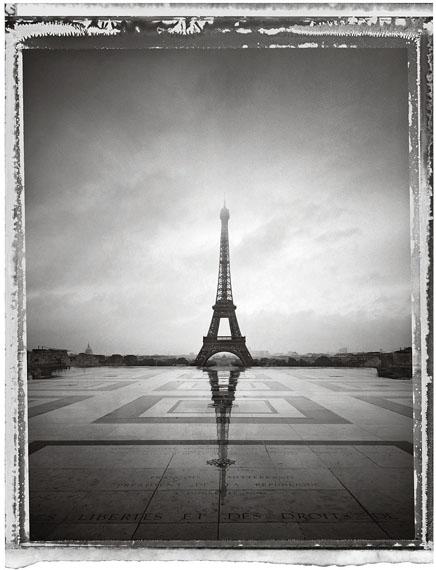 Christopher ThomasTour Eiffel VI, 2013Archival Pigment Print auf Aquarelle Arches,cold pressed, manuelle Beschichtung© Christopher Thomas