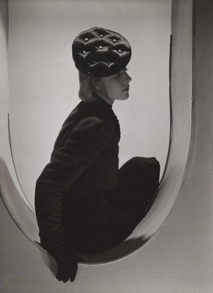 Horst P. Horst: Schiaparelli Fashion, Paris, 1937© Horst Estate and Condé Nast