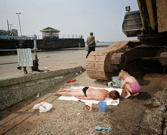 Sunbathing. New Brighton, England, GB. 1985. © Martin Parr / Magnum Photos