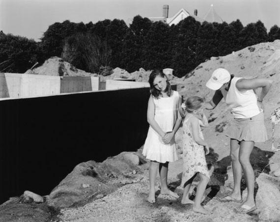The Black Wall 2005 © Tina Barney