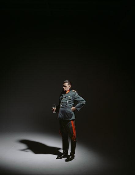 "Andreas Mühe, Keitel 43 I, aus der Serie ""Obersalzberg"", 2012C-Print, 140 x 110 cmEdition: 5 + 3 AP / 12,7 x 10,16 cm, Edition: 7 + 3 AP© VG Bildkunst, Bonn 2014, Courtesy: carlier | gebauer"