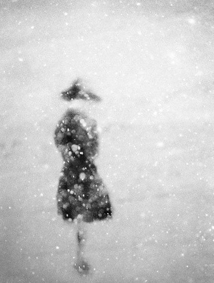 "© Donata Wenders, ""In the snow III"", Allgäu 2010 / Courtesy Johanna Breede PHOTOKUNST"