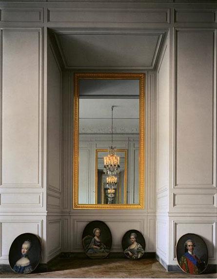Cabinet Intérieur de Mme Adélaïde #2, (56 C) CCE.01.058, Corps Central – R.d.C, Versailles, 1986© Robert Polidori, courtesy Edwynn Houk Gallery