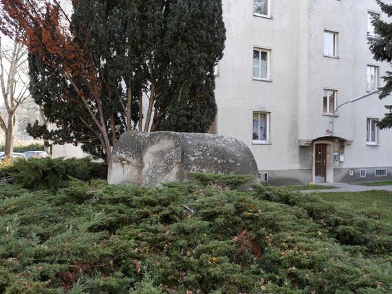 """Eva Engelbert, """"Elefant"""", 2013, aus der Serie """"Versammlung"""", C-Print, 26 x 34,6 cm"""