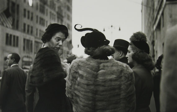 Saul Leiter: Hat, ca. 1952 © Estate of Saul Leiter, Courtesy Howard Greenberg Gallery, New York