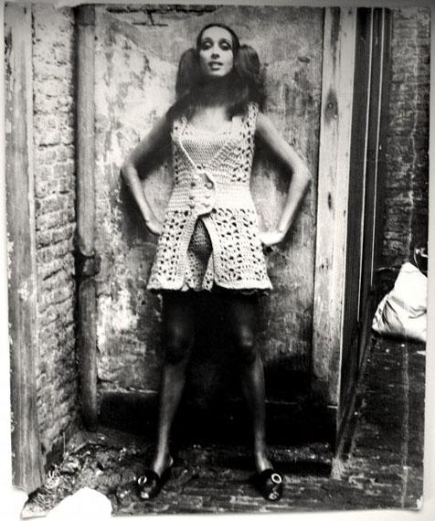 Gerard Fieret. Knitted dress, The Hague 1970. Vintage silverprint 50 x 60 cm © Gerard Fieret, Courtesy Kahmann Gallery