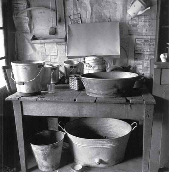 Theo Frey, Kitchen, Fluhli, Entlebuch, 1947© Fotostiftung Schweiz (Swiss Foundation of Photography)