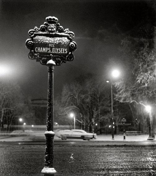 Sabine Weiss. Champs-Elysées, 1949