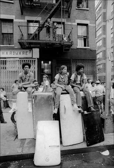 Allan Tannenbaum Kids sitting on discarded refrigerators on the Lower East Side, New York, 1974 Archival pigment print Edition of 5020 x 16 in. Est. 1,500–2,500 USD