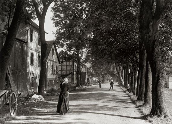 August Sander: Dorfstraße in Puderbach, 1920er-Jahre© Die Photographische Sammlung/SK Stiftung Kultur – August Sander Archiv, Köln; VG Bild-Kunst, Bonn