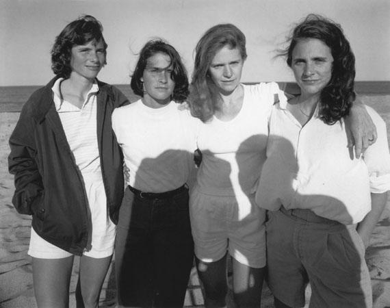 Nicholas Nixon: The Brown Sisters, 1984Sammlung Hoppenstedt© Nicholas Nixon, courtesy Fraenkel Gallery, San Francisco