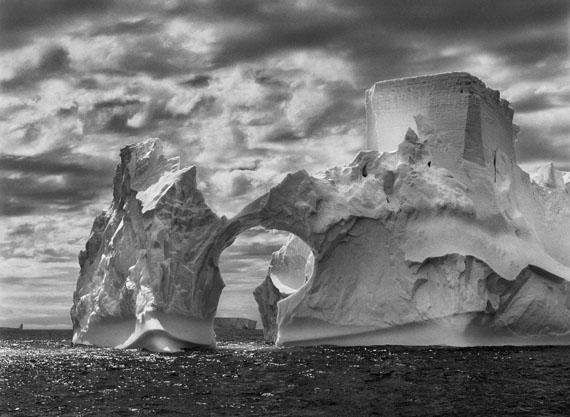 Iceberg between Paulet Island and the South Shetland Islands on the Weddell Sea. Antarctic Peninsula. 2005.© Sebastião Salgado / Amazonas images