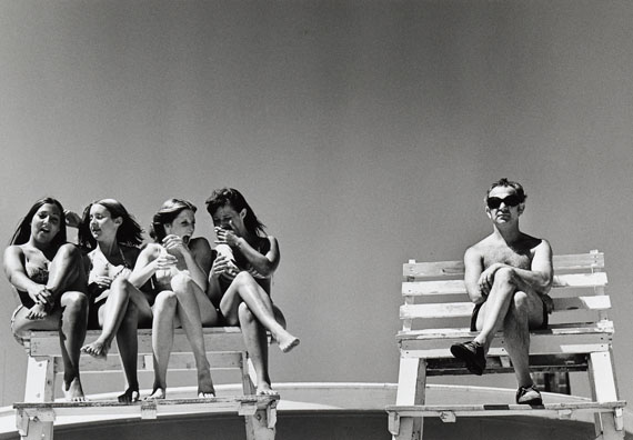 Joseph Szabo: Lifeguard's Dream, 1972, Gelatin silver print 1978, 21 x 30,3 cm (27,8 x 35,3 cm), Sold for USD 10,300