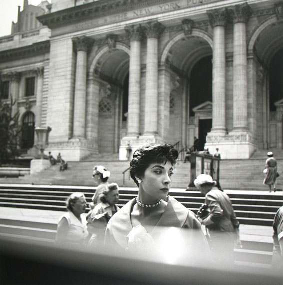 New York Public Library, New York, 1952 © Vivian Maier/Maloof Collection, Courtesy Howard Greenberg Gallery, New York