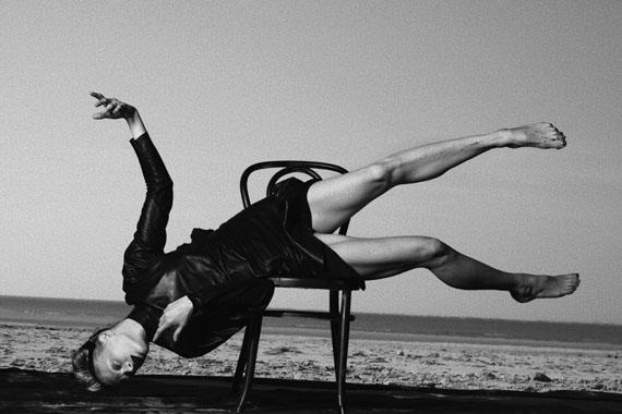 Kristen McMenamy, Vogue Italy, Le Touquet, France, 2009 © Peter Lindbergh