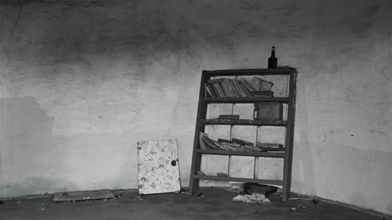 Hannah Collins: The Road to Mvezo. Reading – Umtata, Mandela's Teenage Home, National Monument, 2007-08Digital Fine Art Print, 257 x 457 cm © Hannah Collins