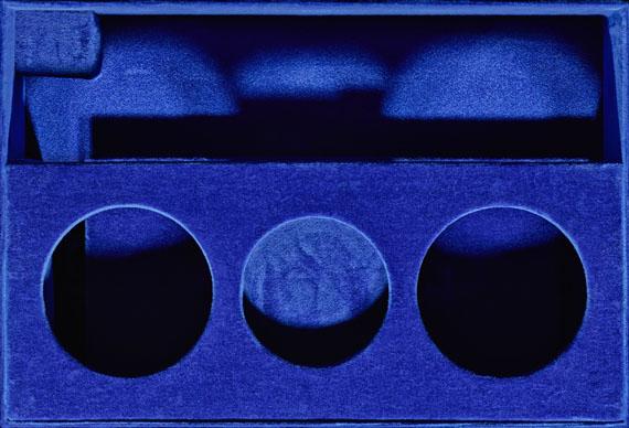 Sinje Dillenkofer: CASE 16, 30,7 × 44,5 cmKrankensalbungskoffer 20. Jh. Servitenkloster, Innsbruck© Sinje Dillenkofer 2015