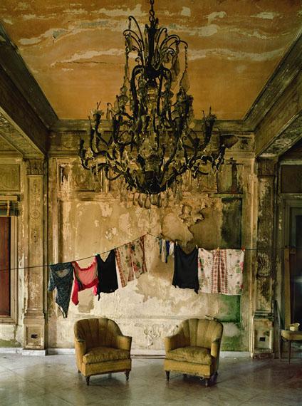 Isabella's Two Chairs, 2000 ©Michael Eastman/Courtesy of Edwynn Houk Gallery, New York