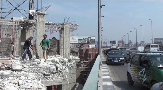 Antje Ehmann, Harun Farocki, Labour in a Single Shot, 2013-2015. Still from Nadah el Shazly, Bridge, Cairo, 2012