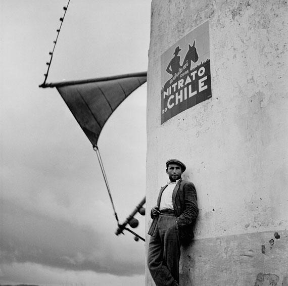 Bill PerlmutterNitrato do Chile, Portugal, 1956Fine Art Print auf Harman Gloss Baryta40 × 40 cm