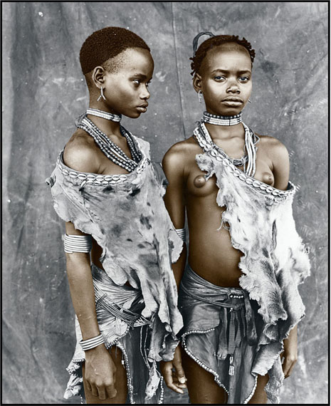 Jan C. SchlegelMeisa & Bona (13), Hamer Tribe, Ethiopia 2008Silver Gelatin Print, toned© Jan C. Schlegel/ Courtesy of Bernheimer Fine Art
