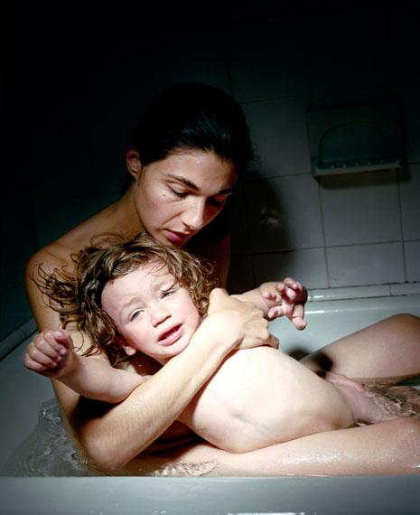 Elinor Carucci: Bath, 2006© Elinor Carucci/Courtesy Edwynn Houk Gallery, New York