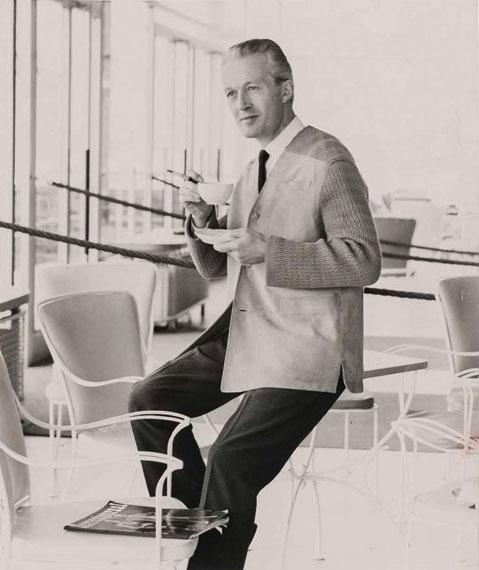 """Velourslederjacke """"Modell Olaf"""" mit Strickärmeln und breiten Strickschulterpassen, um 1960Foto: Regina Relang © Regina Relang-Archiv, Münchener Stadtmuseum / Slg. Fotografie"""
