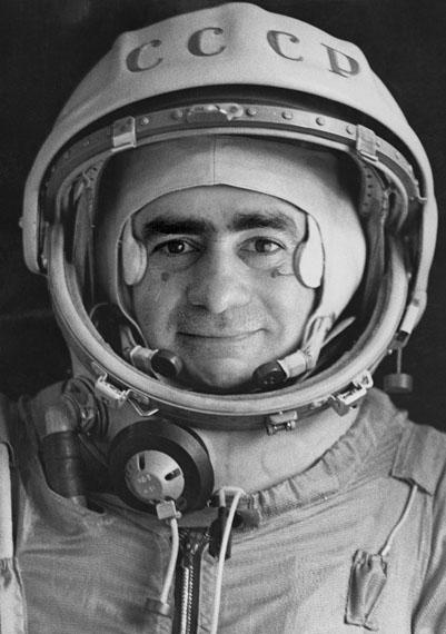"Joan Fontcuberta: Official portrait of the cosmonaut Ivan Istochnikov, aus der Arbeit ""Sputnik"", 1997© Joan Fontcuberta, VG-Bildkunst, Bonn 2015"
