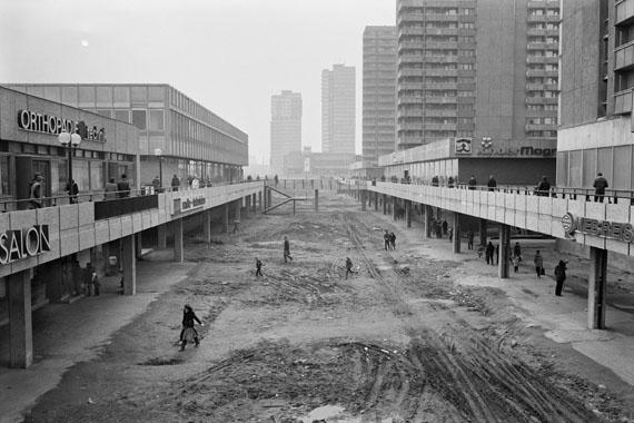 Versorgungseinrichtungen im Wohnkomplex IV, Halle-Neustadt, 1983 © Rudi Meisel