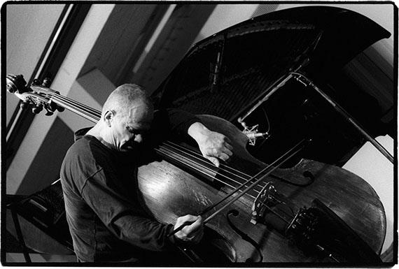 Detlev Schilke: Peter Kowald, Bassist, Workshop Freie Musik, Akademie der Künste, Berlin, 15.06.1995