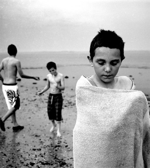 "© Sheila Rock: ""Canvey Boy"", 2011 / Courtesy Johanna Breede PHOTOKUNST"