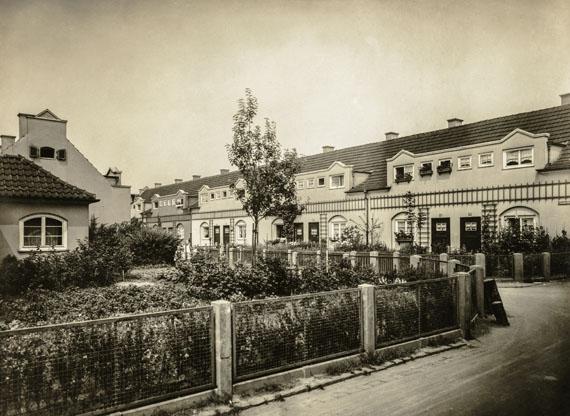 Hugo Schmölz: Guntherstraße, Nibelungensiedlung, Köln-Mauenheim, um 1927Die Photographische Sammlung/SK Stiftung Kultur/Dauerleihgabe GAG Immobilien AG, Köln