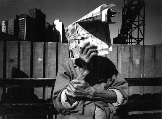 """Wilfried Bauer: Aus der Serie """"Hongkong"""", 1985, ursprünglich erschienen im FAZ-Magazin # 307 vom 17.01.1986© Nachlass Wilfried Bauer/Stiftung F.C. Gundlach"""